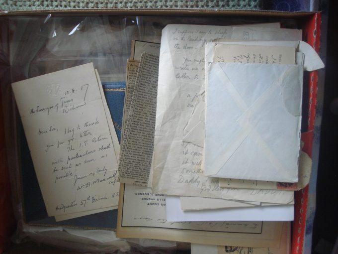 Volunteering in the University Archives: a Sensational Adventure!