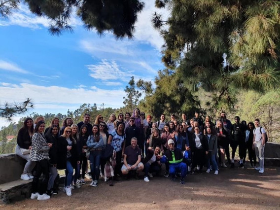 Picture of Jo with her course mates on a group field trip