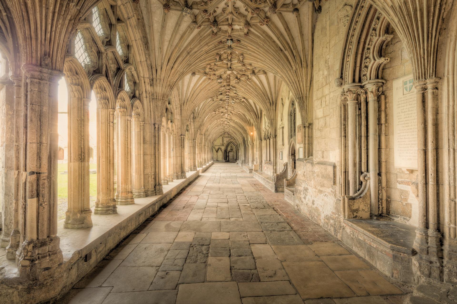 canterbury-cathedral-3530366_1920.jpg
